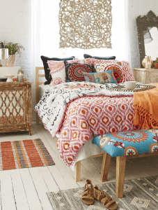 Bohemian bedroom candles decor ideas for small space