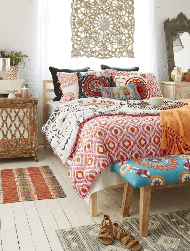 Small Boho Living Room: 12 Bohemian Bedroom Ideas For Small Rooms