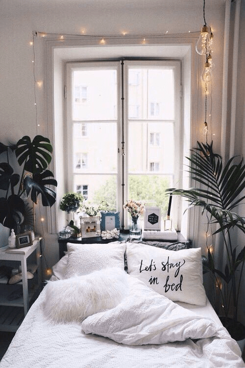 Bohemian bedroom gypsy decorating ideas with sunlight and small petals