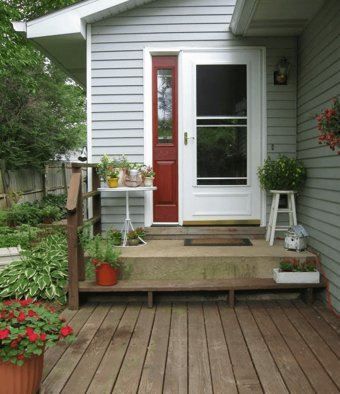 Nice small house porch ideas with pot plants