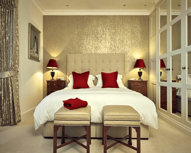 Romantic bedroom red color palettes
