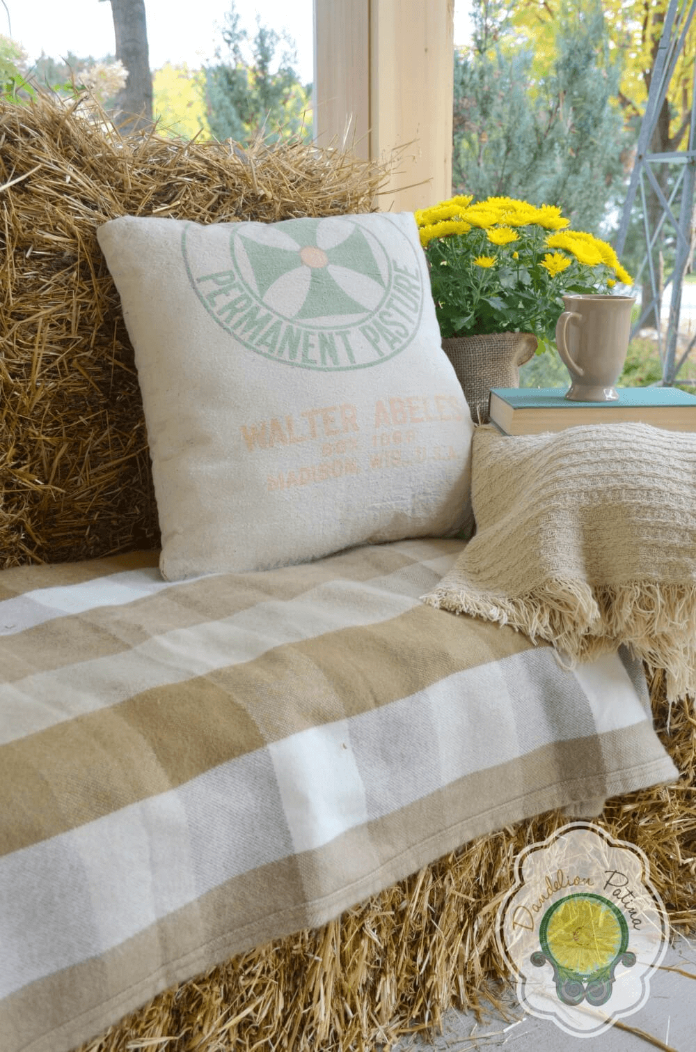 Haystack sofa couches for farmhouse front porch decoration ideas