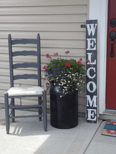 Small wooden sign front porch decorating ideas