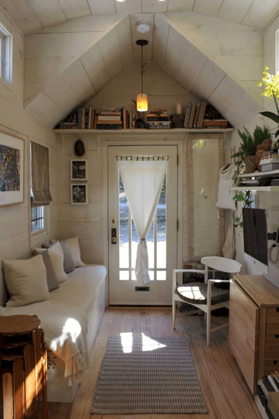 HOW TO MAKE BIGGER SPACE TINY HOUSE LIVING ROOM WITH PLAY COLOR
