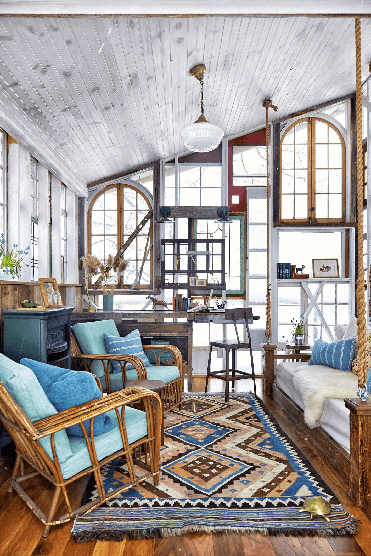 HOW TO MAKE TINY HOUSE LIVING ROOM LOOK BIGGER WITH PLAY PATTERNS