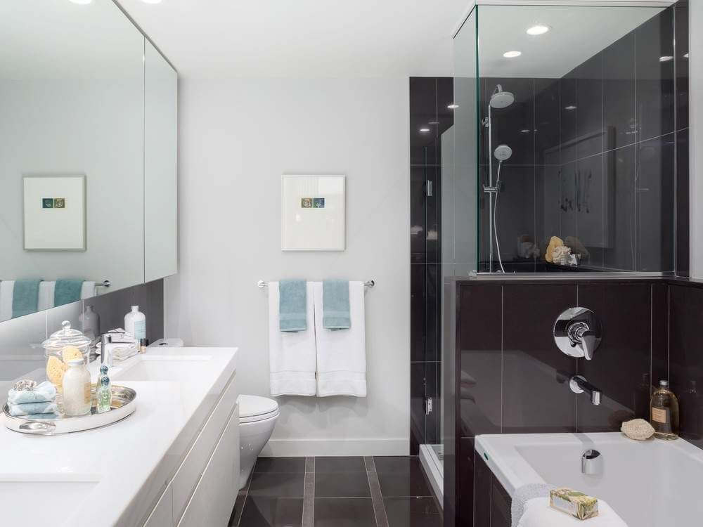 DARK FLOOR LIGHT WALL FOR BATHROOM REMODEL IDEAS