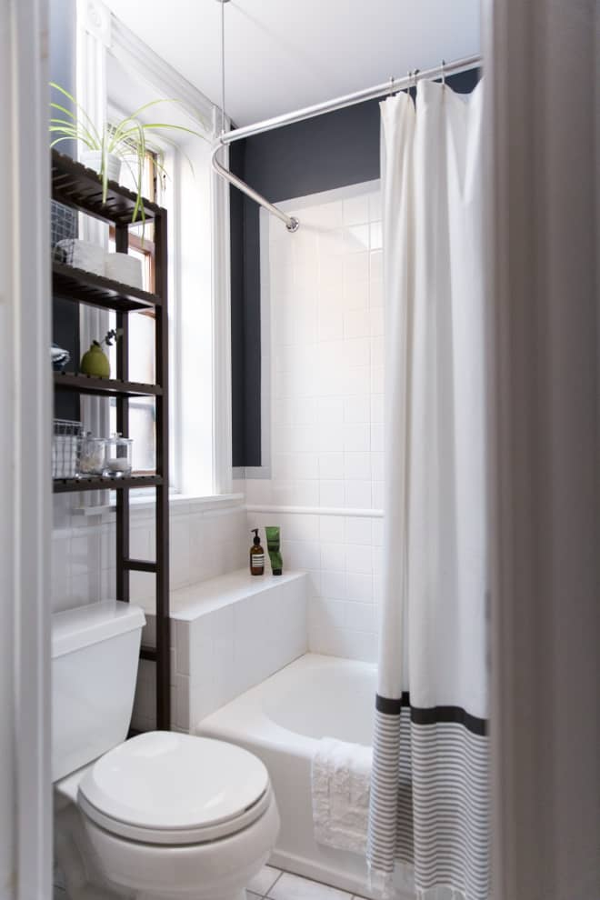 NICE BEIGE COLOR FOR SMALL BATHROOM WALLS