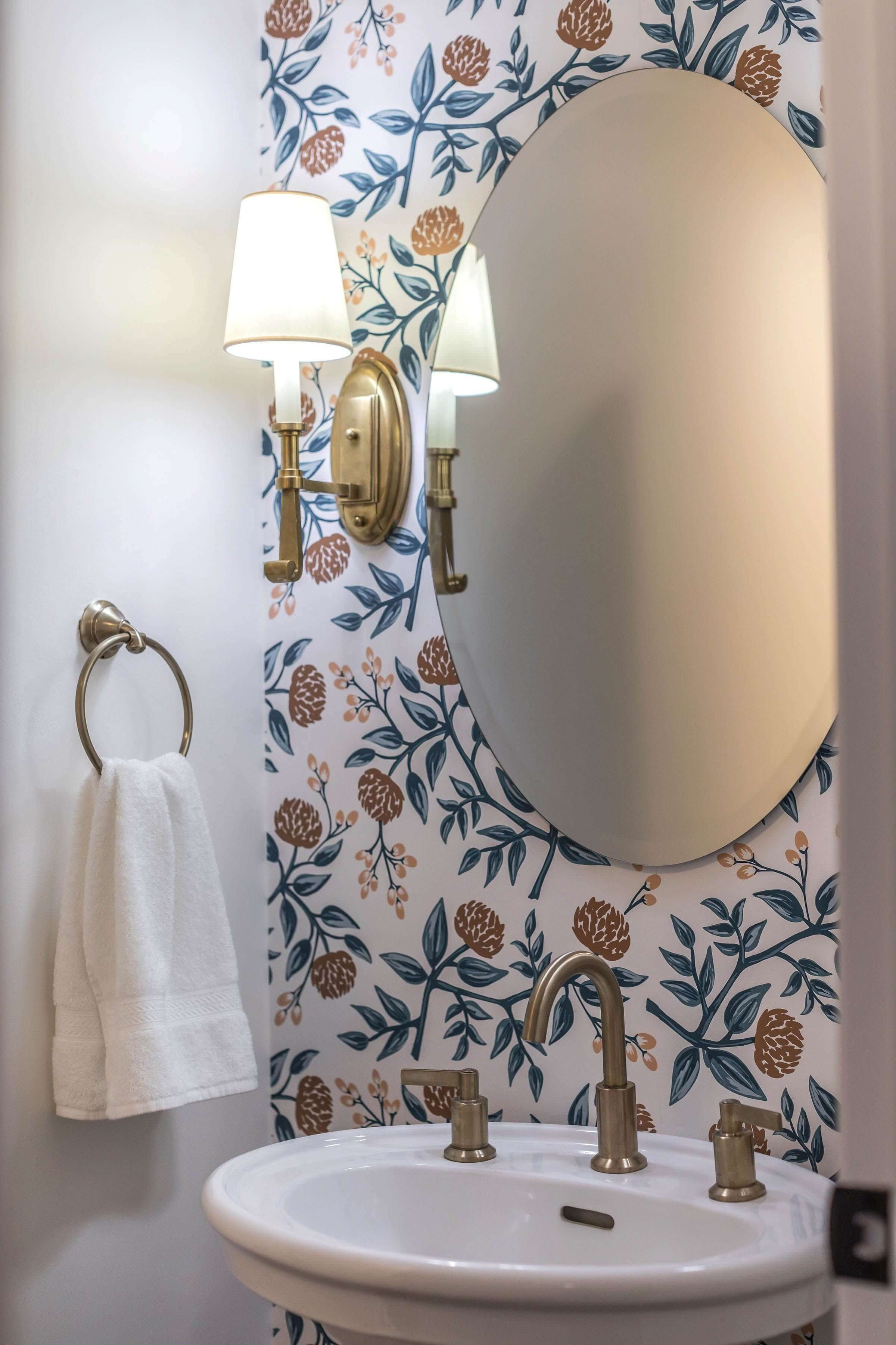 NICE SMALL BATHROOM REMODEL IDEAS PAINTED FLORAL WALL AND OVAL MIRROR