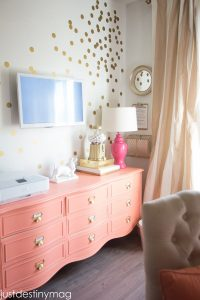 BOLD FURNITURE IDEAS FOR TEENAGE GIRLS BEDROOM DECORATION