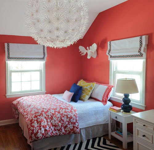 ECLECTIC SMALL BEDROOM DECOR IDEAS FOR TEEN GIRLS WITH OVERSIZED PENDANT