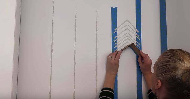 DIY SMALL HOME PROJECTS PAINTED WALLPAPER
