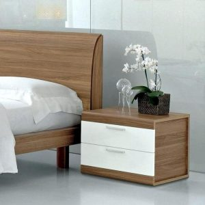 SMALL LUXURY BEDROOM IDEAS CLEAR UP NIGHTSTAND