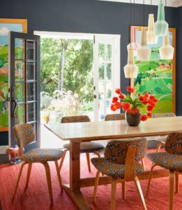 COLORFUL DECOR IDEAS FOR SMALL SPACE DINING ROOM