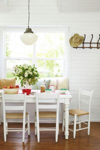 COZY PILLOWS FOR SMALL DINING ROOM DECOR IDEAS