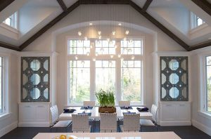 CRYSTAL PENDANT LIGHTING IDEAS FOR SMALL DINING ROOM