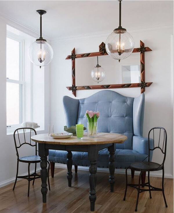 GLOBE PENDANT LIGHTING IDEAS FOR SMALL DINING ROOM