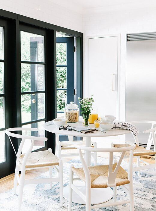 LIGHT PALETTE FOR DINING ROOM DECOR SMALL SPACE