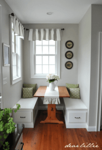 LITTLE BOOTH CORNER DINING ROOM SMALL SPACE