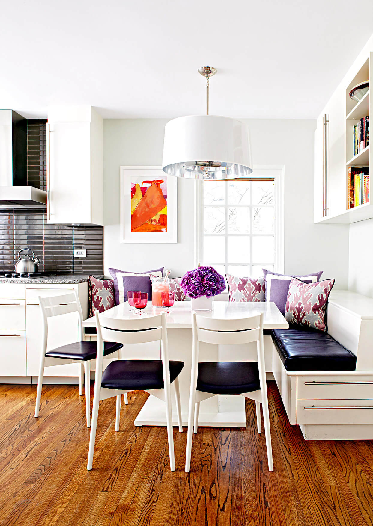 SMALL SQUARE PEDESTIAL DINING TABLE DESIGN IDEAS