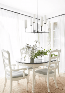 SMALL WHITE DINING ROOM DECOR FARMHOUSE STYLE