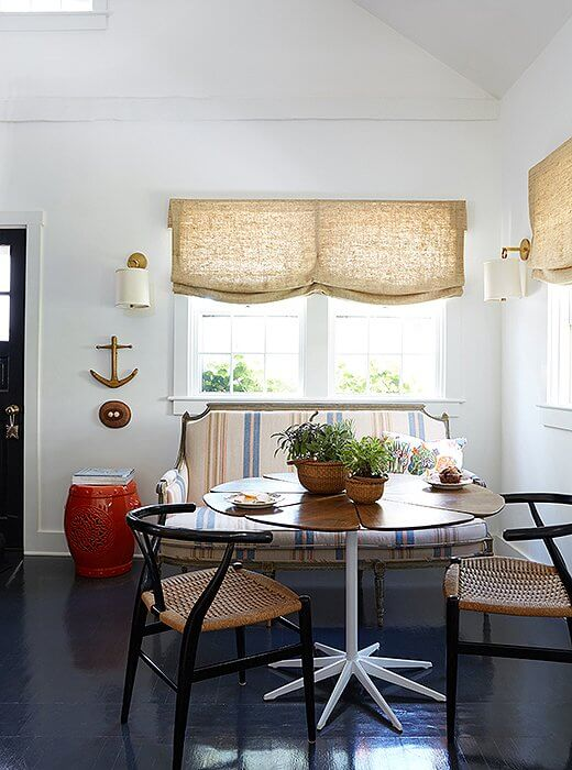 USING SHEER CURTAINS FOR DINING ROOM DECOR SMALL SPACE
