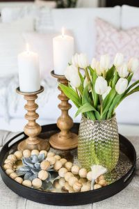 HOW TO MAKE A SMALL HOUSE FEEL BIGGER WITH BIG DECORATIVE ACCENTS