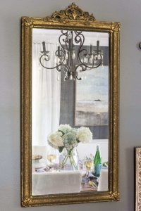 HOW TO MAKE A SMALL HOUSE FEEL BIGGER WITH PUT MIRRORS