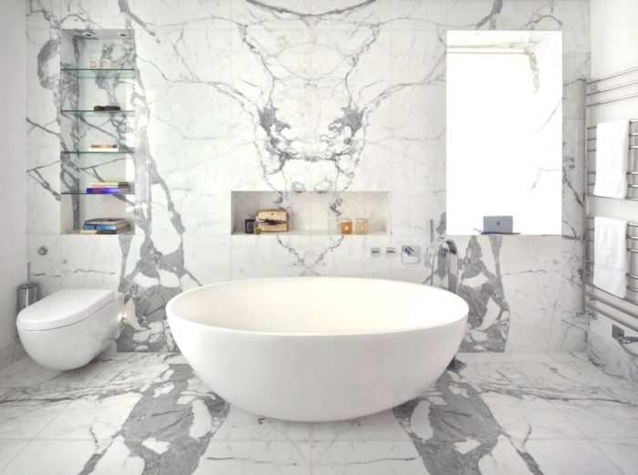 ALL WHITE SMALL BATHROOM IDEAS WITH BOWL SHAPED BATHTUB AND SHOWER