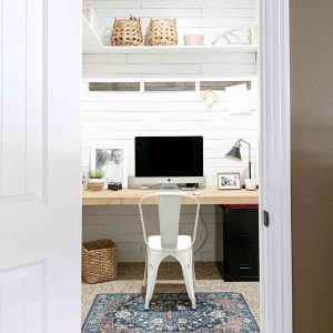 BEDROOM SMALL HOME OFFICE IDEAS WITH HIDE LOW DESK INSIDE THE CLOSET