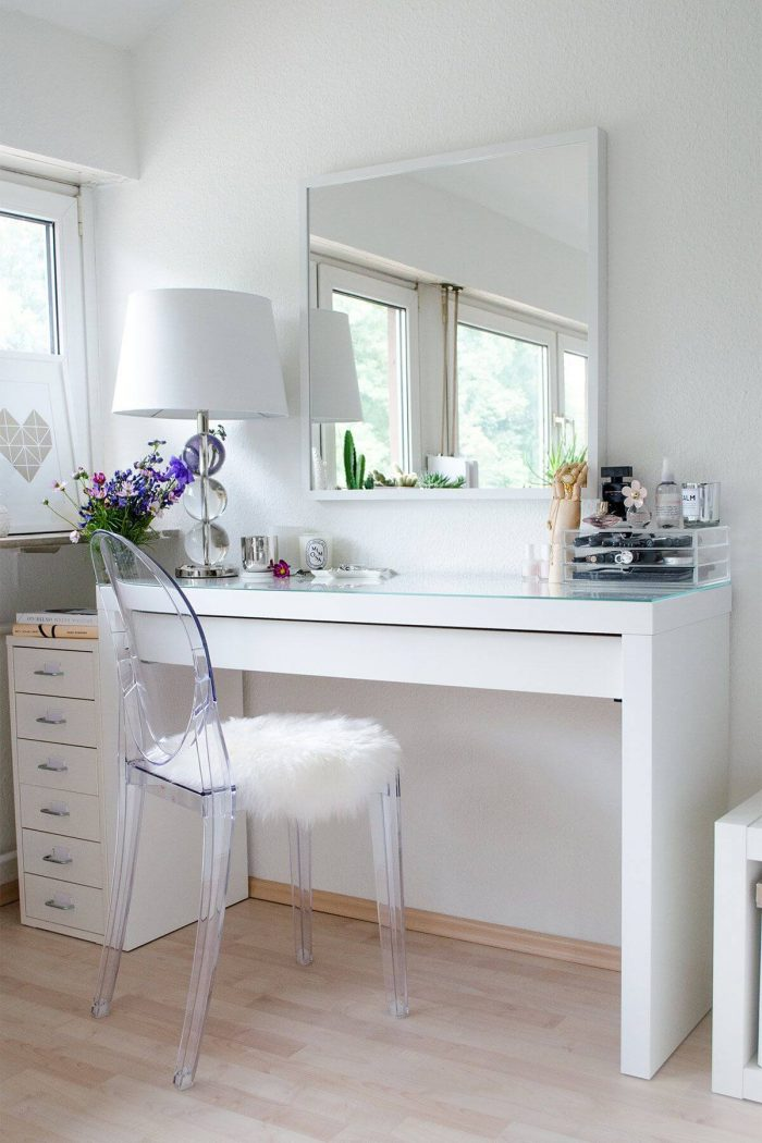 UNIQUE BEDROOM SMALL HOME OFFICE WITH TRANSPARENT CHAIR CREATES SPACIOUS ROOM