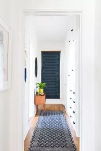 SMALL HOUSE ENTRYWAY IDEAS WITH BIG ART PLAYS