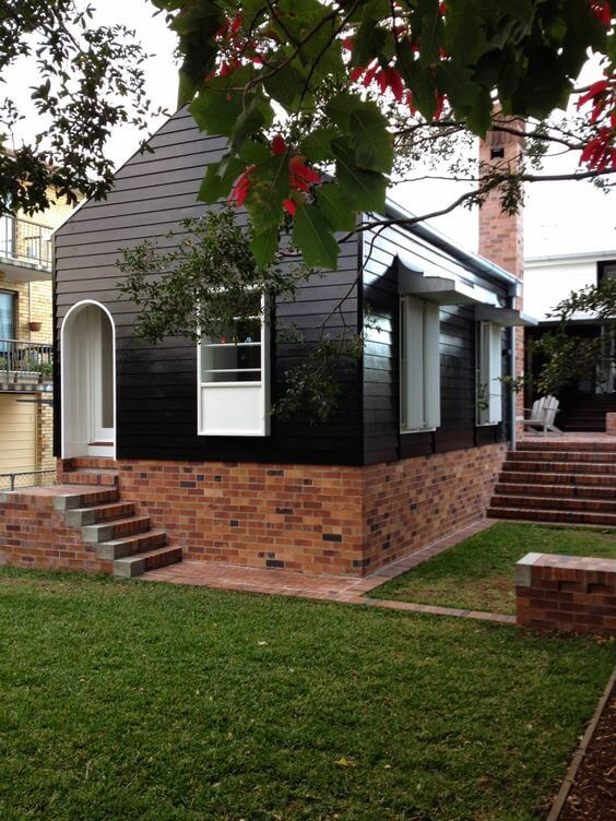 SMALL HOUSE EXTERIOR COLORS BLACK AND WHITE